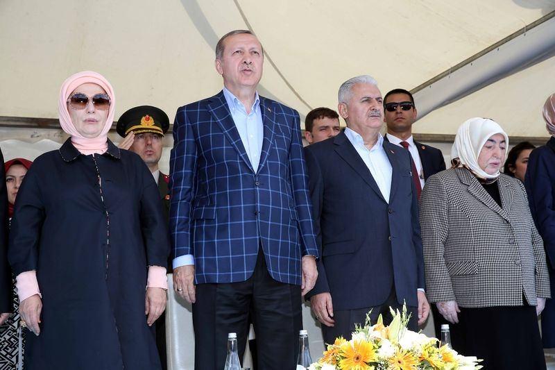 Cumhurbaşkanı ve Başbakan Diyarbakır'da 25