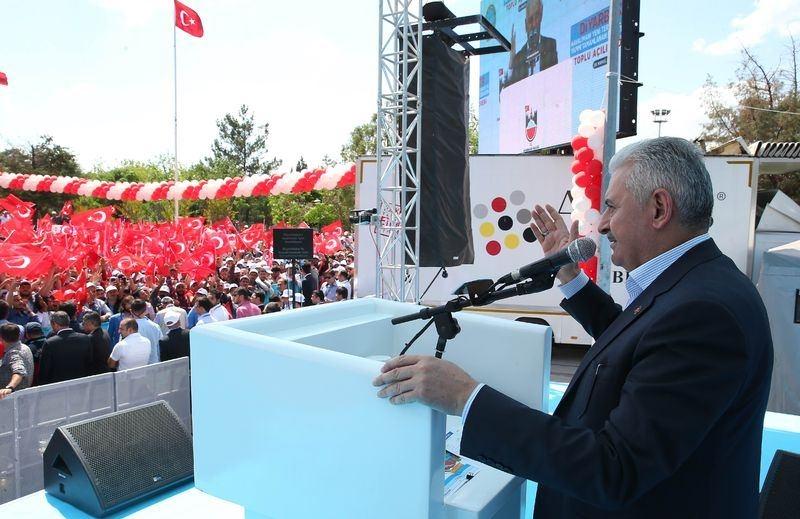 Cumhurbaşkanı ve Başbakan Diyarbakır'da 33