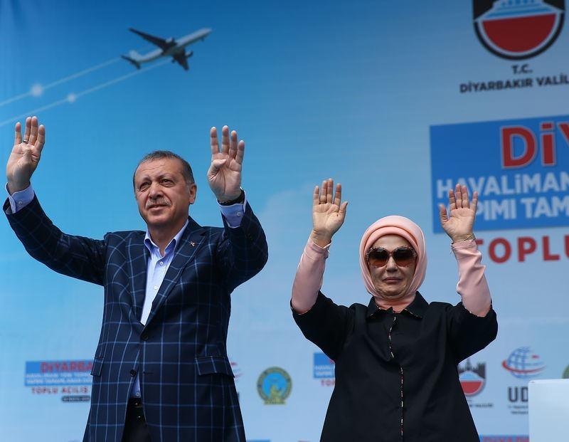 Cumhurbaşkanı ve Başbakan Diyarbakır'da 42