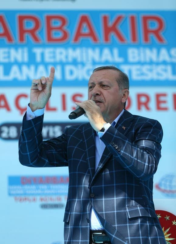 Cumhurbaşkanı ve Başbakan Diyarbakır'da 43