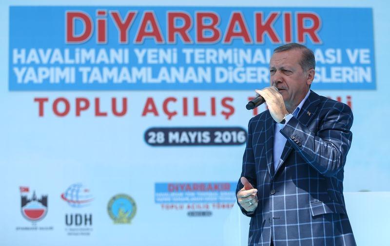 Cumhurbaşkanı ve Başbakan Diyarbakır'da 47
