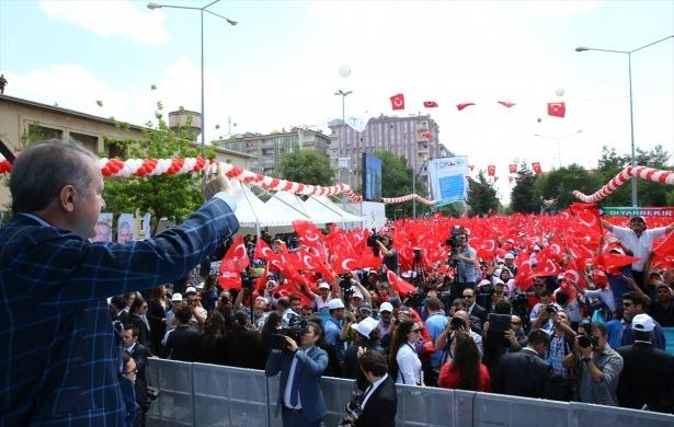 Cumhurbaşkanı ve Başbakan Diyarbakır'da 52