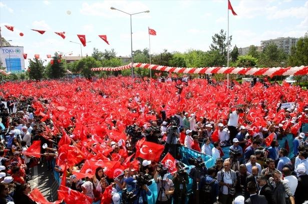 Cumhurbaşkanı ve Başbakan Diyarbakır'da 54