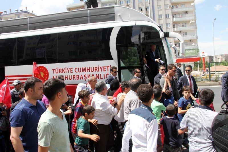 Cumhurbaşkanı ve Başbakan Diyarbakır'da 6