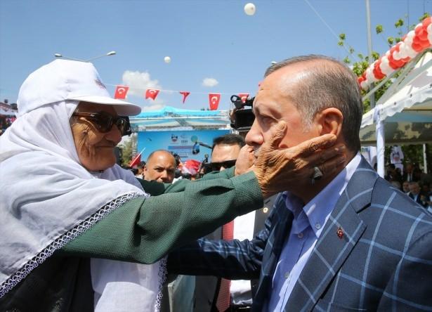 Cumhurbaşkanı ve Başbakan Diyarbakır'da 9