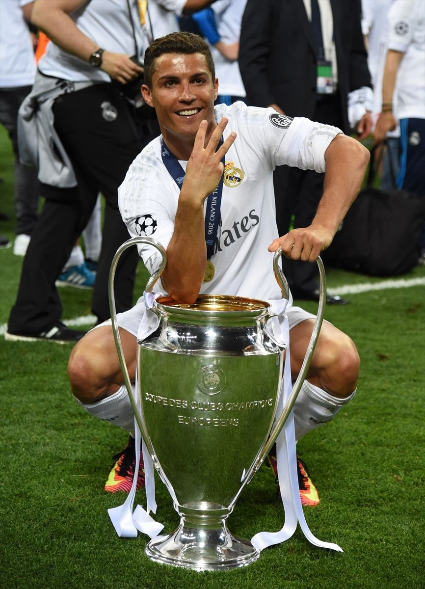 Avrupa'nın en büyüğü 'Real Madrid' 3
