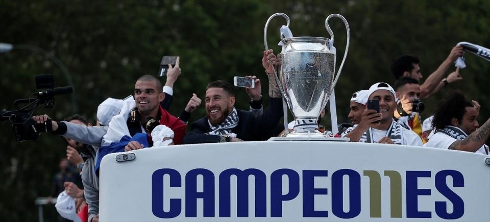 Avrupa'nın en büyüğü 'Real Madrid' 42