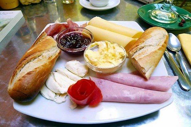 Hangi ülkenin kahvaltı tabağında ne var? 12