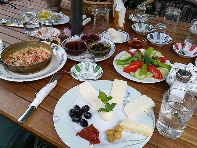 Hangi ülkenin kahvaltı tabağında ne var? 50