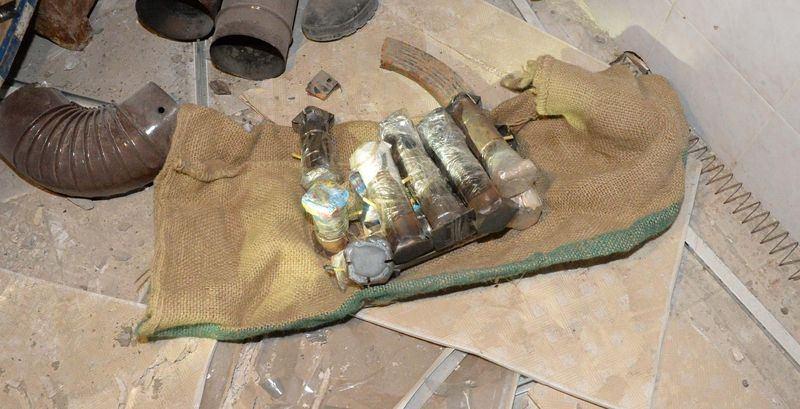 PKK'nın 'Patlayıcı imalathanesi' imha edildi 1