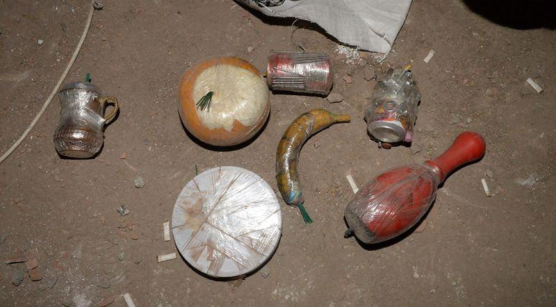 PKK'nın 'Patlayıcı imalathanesi' imha edildi 11