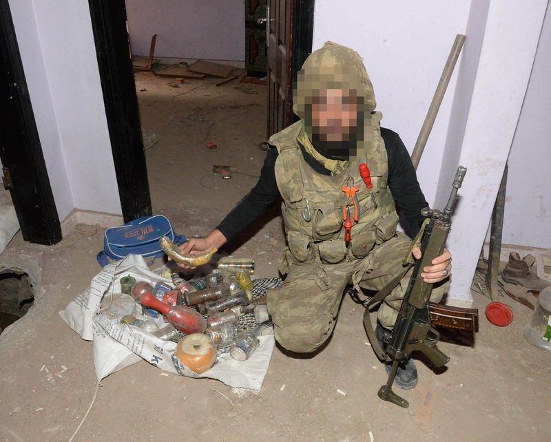 PKK'nın 'Patlayıcı imalathanesi' imha edildi 12