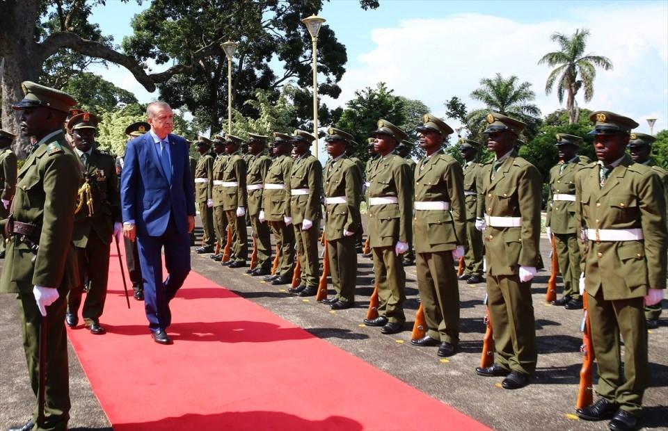 Cumhurbaşkanı Erdoğan Uganda'da 11