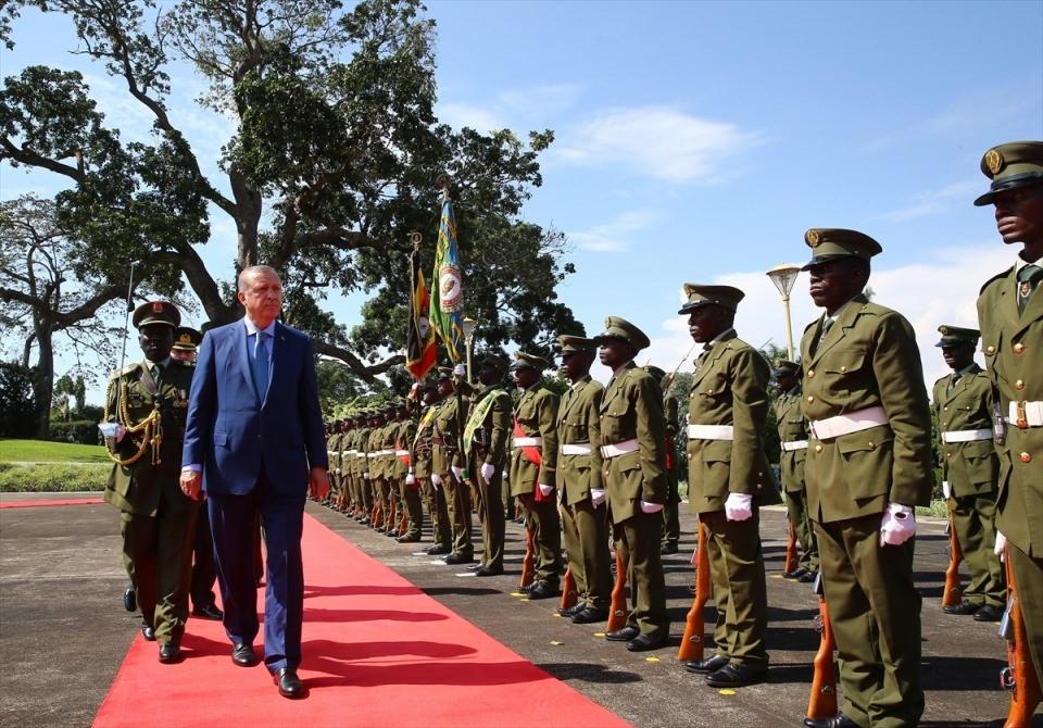 Cumhurbaşkanı Erdoğan Uganda'da 13