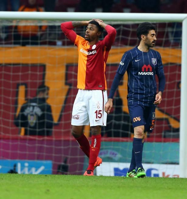 İşte Galatasaray'da gidecek ve kalacak isimler! 15