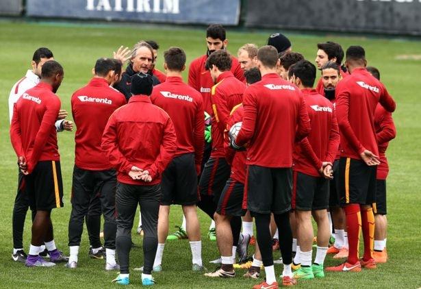 İşte Galatasaray'da gidecek ve kalacak isimler! 2
