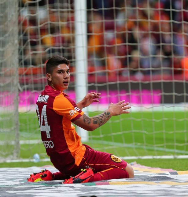 İşte Galatasaray'da gidecek ve kalacak isimler! 23