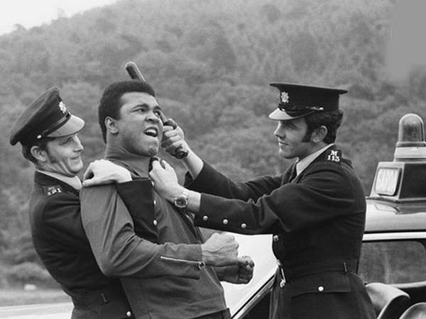 Muhammed Ali hayatını kaybetti 24