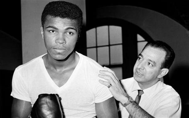 Muhammed Ali hayatını kaybetti 39