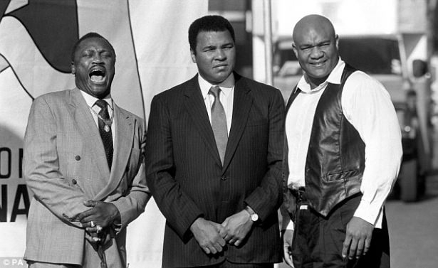 Muhammed Ali hayatını kaybetti 48