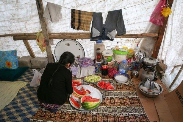 Yüksekovalılar ilk iftarı çadırda açtı 55