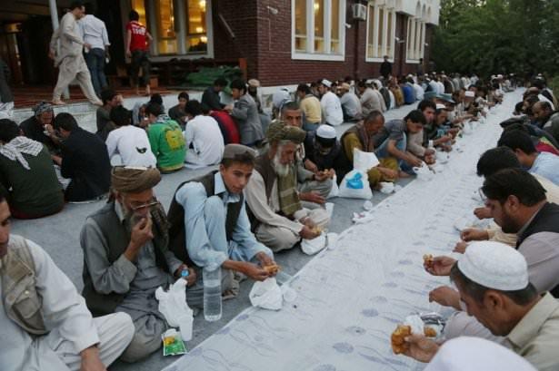 Dünyadan ramazan manzaraları 108