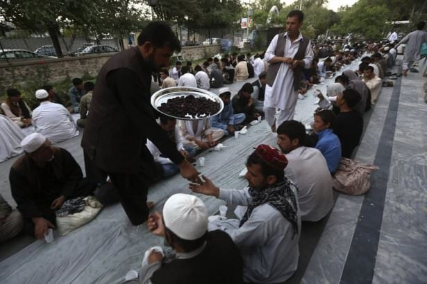 Dünyadan ramazan manzaraları 115