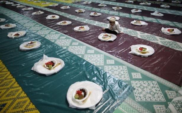 Dünyadan ramazan manzaraları 124