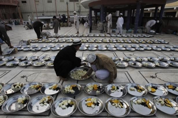Dünyadan ramazan manzaraları 135