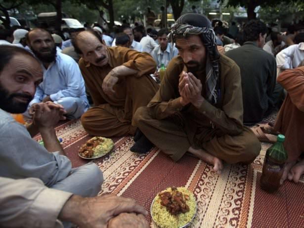 Dünyadan ramazan manzaraları 139