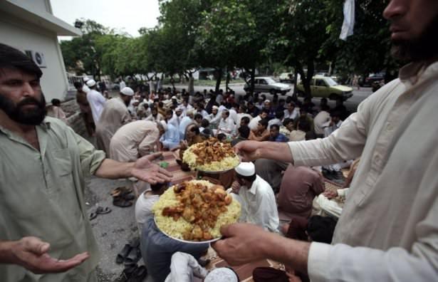 Dünyadan ramazan manzaraları 140