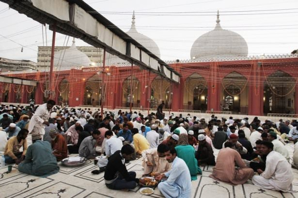 Dünyadan ramazan manzaraları 142