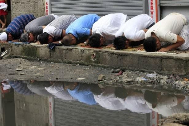 Dünyadan ramazan manzaraları 151