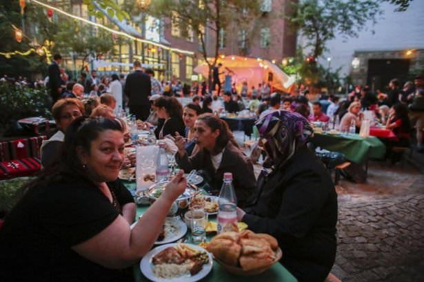 Dünyadan ramazan manzaraları 168