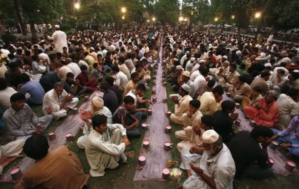 Dünyadan ramazan manzaraları 170