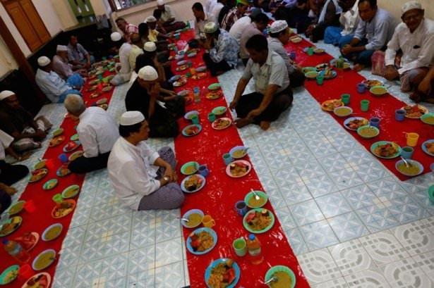 Dünyadan ramazan manzaraları 172