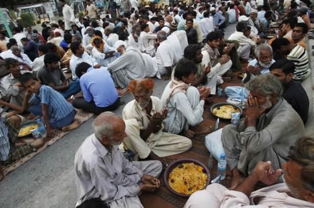 Dünyadan ramazan manzaraları 174