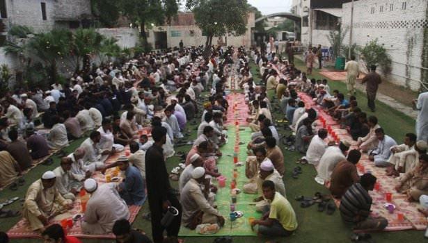 Dünyadan ramazan manzaraları 176