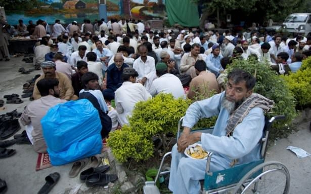 Dünyadan ramazan manzaraları 184