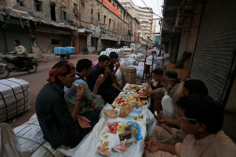 Dünyadan ramazan manzaraları 51