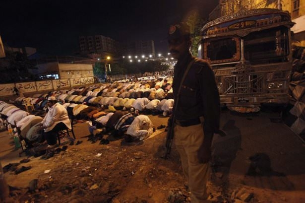 Dünyadan ramazan manzaraları 95