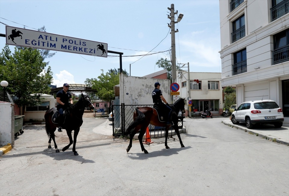 """İzmir'de """"Dört nala"""" güvenlik 13"""