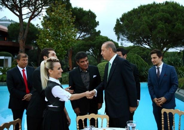 Erdoğan sanatçı ve sporcuları ağırladı 14