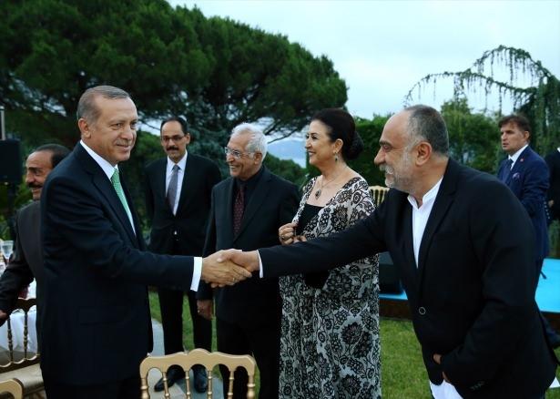 Erdoğan sanatçı ve sporcuları ağırladı 15