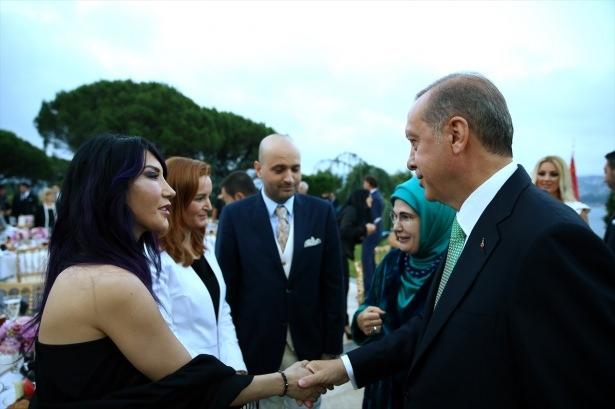 Erdoğan sanatçı ve sporcuları ağırladı 21