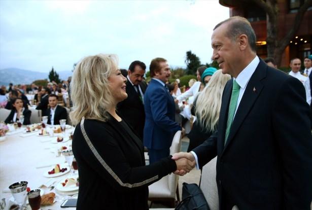 Erdoğan sanatçı ve sporcuları ağırladı 23