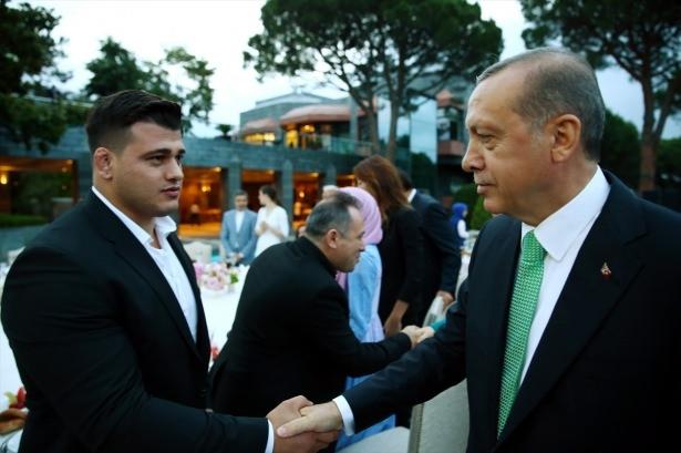 Erdoğan sanatçı ve sporcuları ağırladı 27