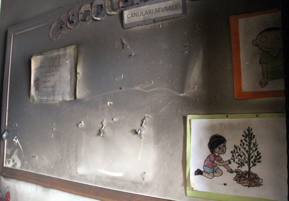 Teröristler anaokuluna saldırdı! 11