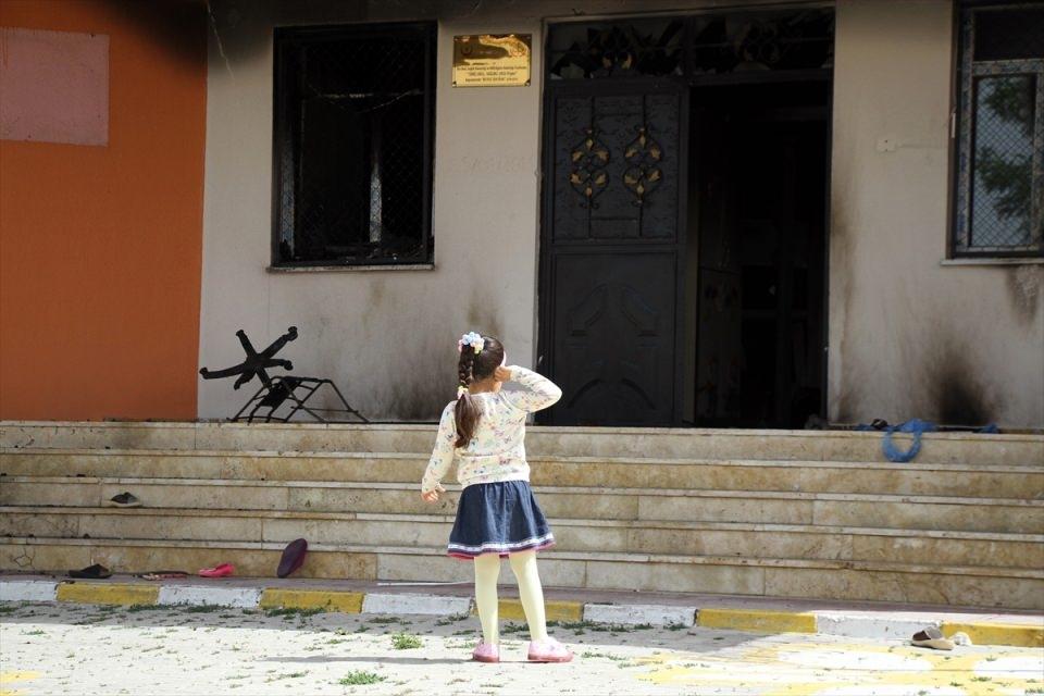 Teröristler anaokuluna saldırdı! 12
