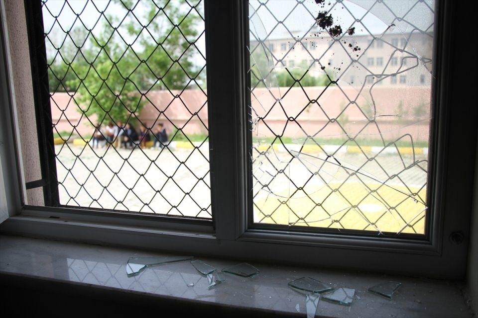 Teröristler anaokuluna saldırdı! 17